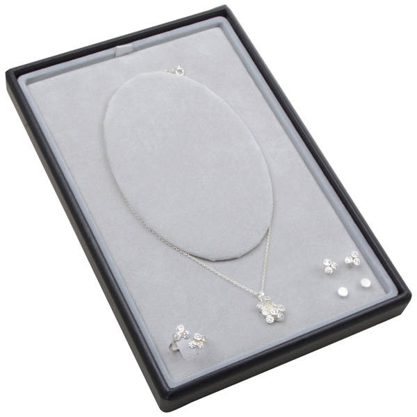 Small tray for necklace