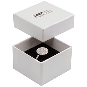 Boston sieradendoosje voor ring Pearl ivoorwit karton/ Dubbelzijdig wit-zwart foam 50 x 50 x 32 (44 x 44 x 30 mm)
