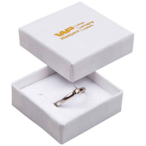 Frankfurt æske til ring Hvid Karton med let struktur/Hvid-sort skumindsats 50 x 50 x 17 (44 x 44 x 15 mm)