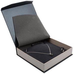 Milano écrin pour collier / parure Carton anthracite-argent perlé/ Mousse grisee 165 x 165 x 35 (159 x 159 x 24 mm)