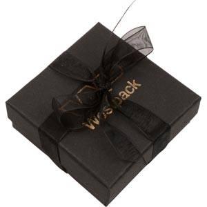 Barcelona smykkeæske til vedhæng/ øreringe Sort karton med organzasløjfe / Sort skumindsats 65 x 65 x 25 (61 x 61 x 15 mm)