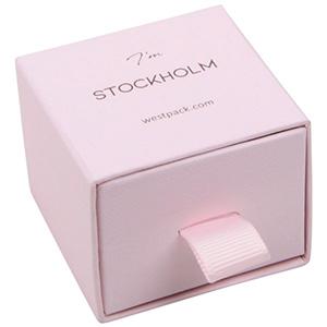 Stockholm sieradendoosje voor ring / oorbellen Lichtroze karton met stof-look / Zwart foam 50 x 50 x 40 (43 x 46 x 21 mm)