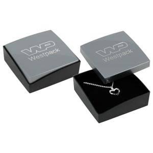 Copenhagen écrin pour BO pendantes/petit pendentif Couvercle argenté, base noire / Mousse noire 60 x 60 x 21 (59 x 59 x 17 mm)