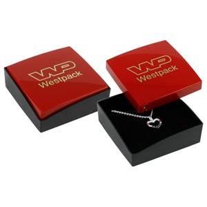 Copenhagen écrin pour BO pendantes/petit pendentif Couvercle rouge, base noire / Mousse noire 60 x 60 x 21 (59 x 59 x 17 mm)