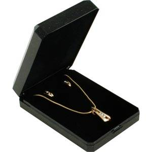 Verona sieradendoosje voor oorbellen/ hanger Zwart kunststof met gouden bies/ Zwart foam 60 x 85 x 23 (57 x 81 x 4 mm)