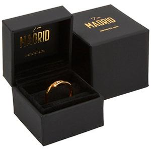 Madrid smykkeæske til ring Sort soft-touch karton / Sort velourindsats 49 x 49 x 40 (38 x 33 x 20 mm)