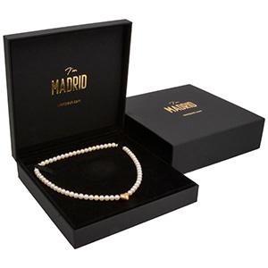 Madrid smykkeæske til collier/ halskæde Sort soft-touch karton / Sort velourindsats 168 x 169 x 41 (155 x 150 x 18 mm)