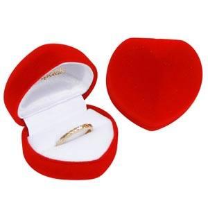Baltimore smykkeæske til ring, hjerteformet Rød velour / Hvid velourindsats 50 x 45 x 38 (46 x 36 x 35 mm)