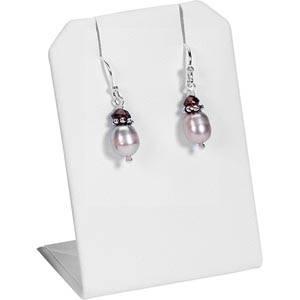 Display til øreringe/halskæde Hvid nappa kunstskind 45 x 65