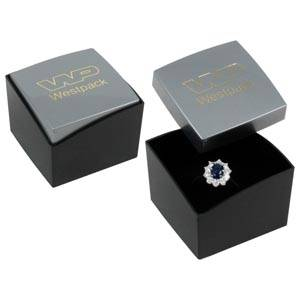 Grootverpakking -  Copenhagen doosje voor ring Zilver deksel, zwarte bodem / Zwart foam 43 x 43 x 32