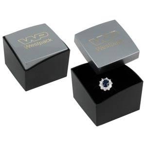 Storkøb -  Copenhagen smykkeæske til ring Sølv låg, sort bund / Sort skumindsats 43 x 43 x 32